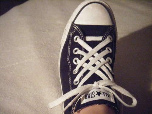 Как модно завязать шнурки