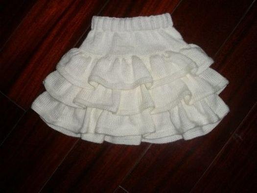 Белоснежная юбка спицами для девочки