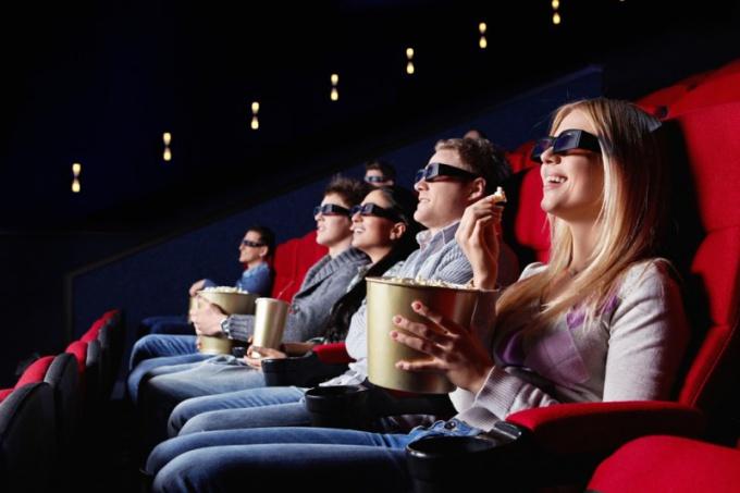 Как вести себя в кинотеатре