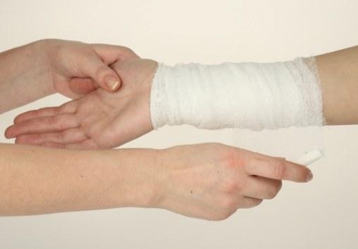Как оказать первую помощь пострадавшему