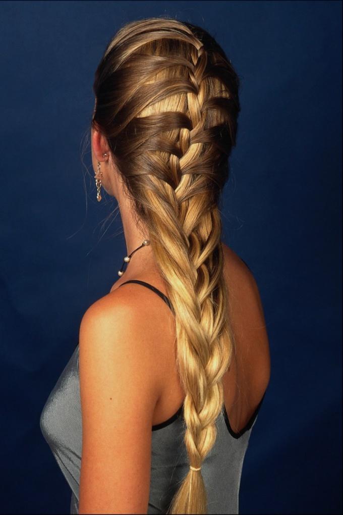 Как можно заплести длинные волосы