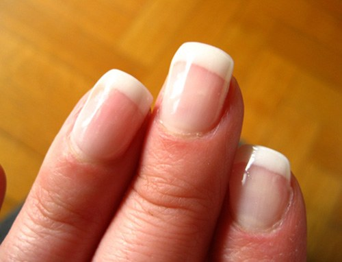 How to strengthen and grow nails