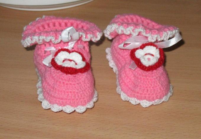 Как вязать пинетки для новорожденного