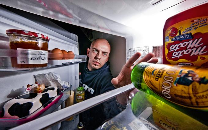Как включить холодильник