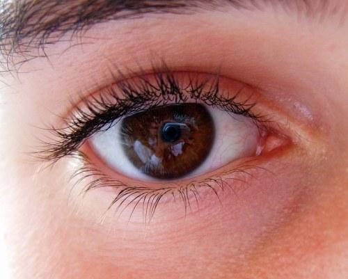 How to determine eye pressure