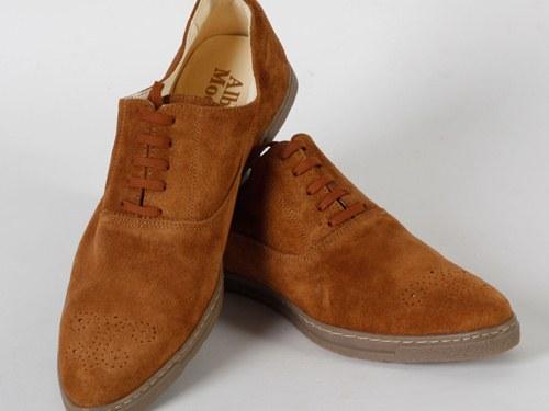 Как очистить замшевую обувь от грязи