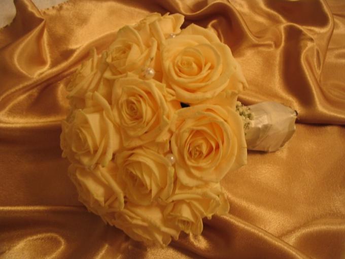Как оформить золотую свадьбу