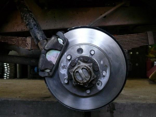 Как отрегулировать дисковые тормоза