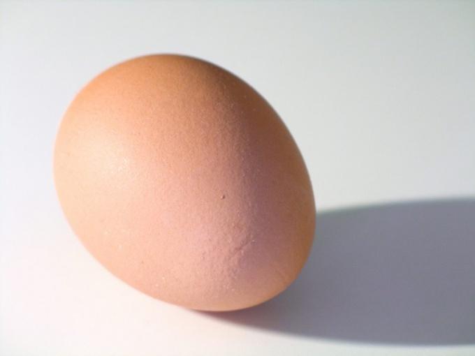 Как быстро почистить яйцо
