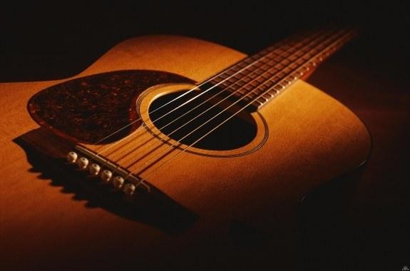 Как обучиться играть на гитаре начинающему