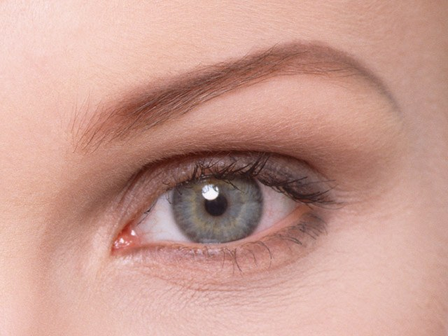 How to restore the skin around the eyes