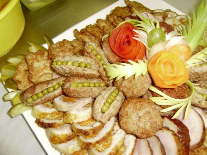 Как украсить мясные блюда