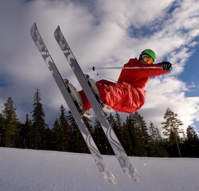 Как нужно смазывать лыжи