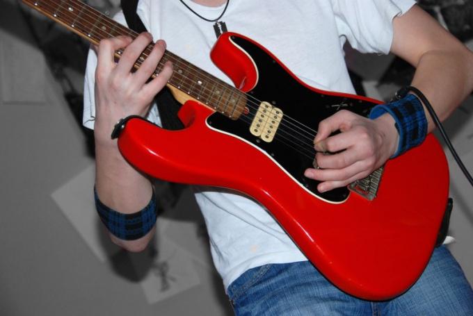 Как быстро выучить аккорды