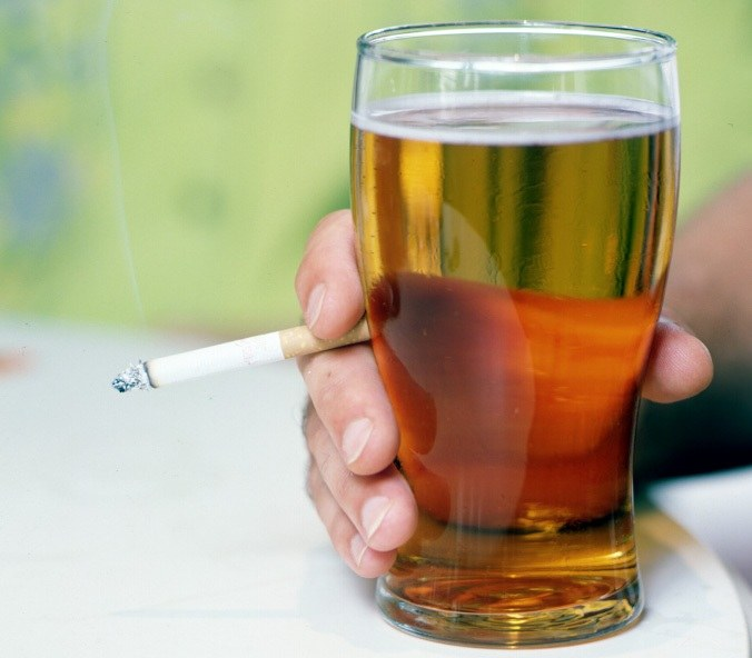 How to drink and not to smoke