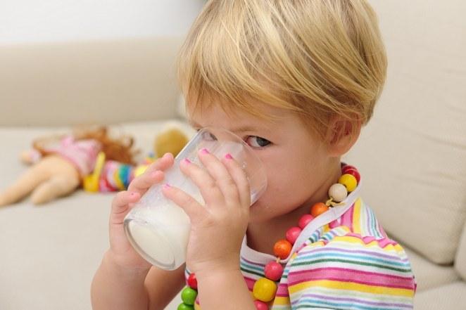 Как отучить от бутылки ребенка