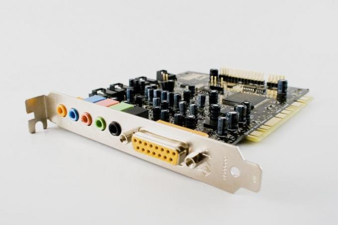 Как отключить звуковую карту в BIOS