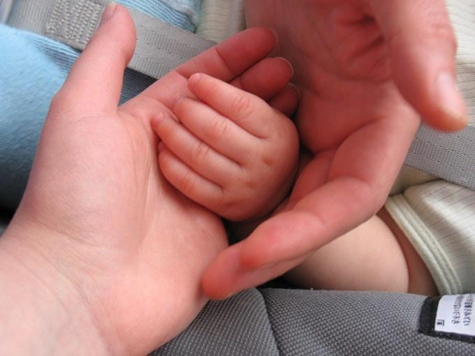 Как взять ребенка на попечение