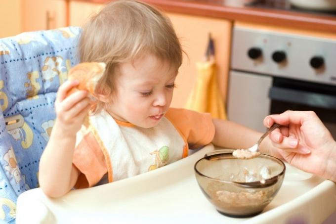 Как варить овсяную кашу ребенку