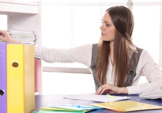 Как оформить  на работу временно