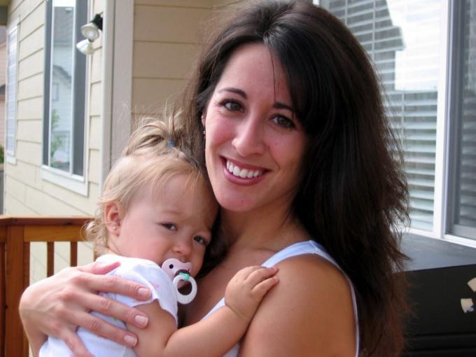Как оставить ребенка с матерью