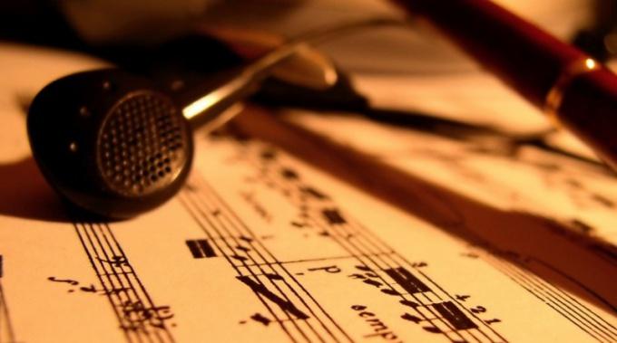 Как бесплатно самому создать сайт с музыкой
