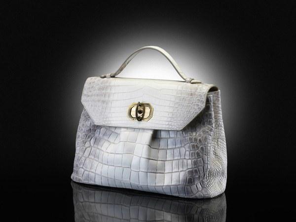 Как носить портфель