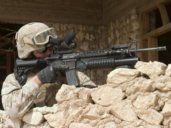 Как остаться служить  в армии