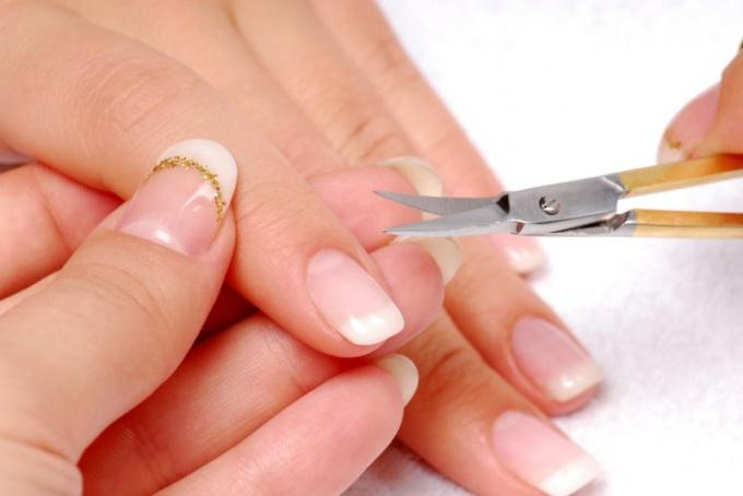 Как стремительно вырастить ногти в домашних условиях