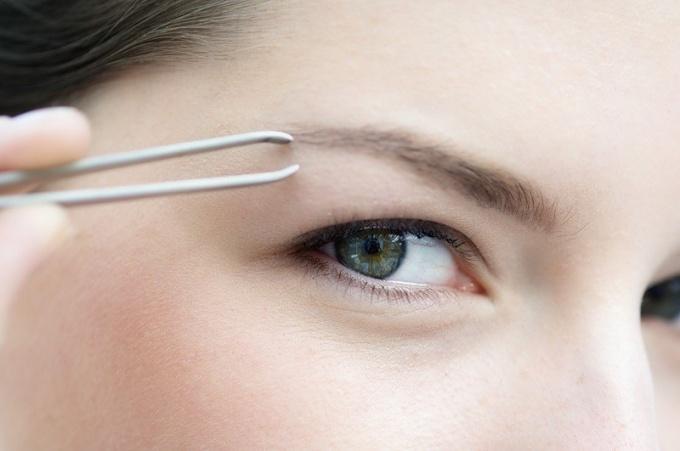 How to adjust eyebrow