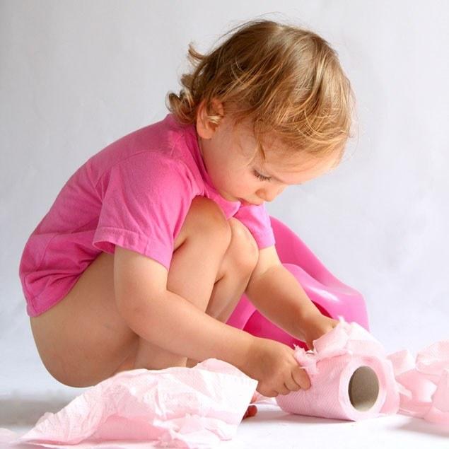 Как отучить ребенка писать в штаны