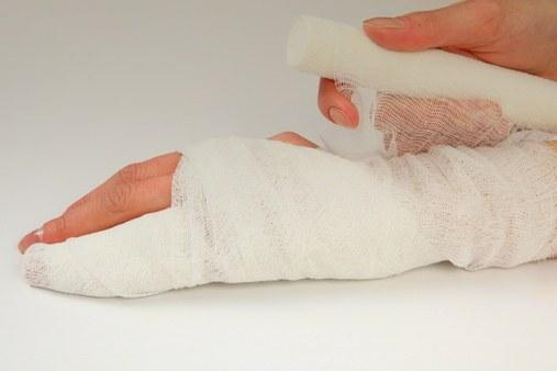 Как перевязать руку