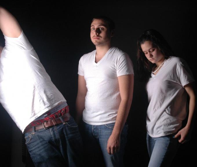 Как отстирать белую футболку