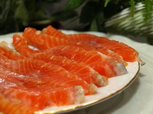 Как замариновать лосося