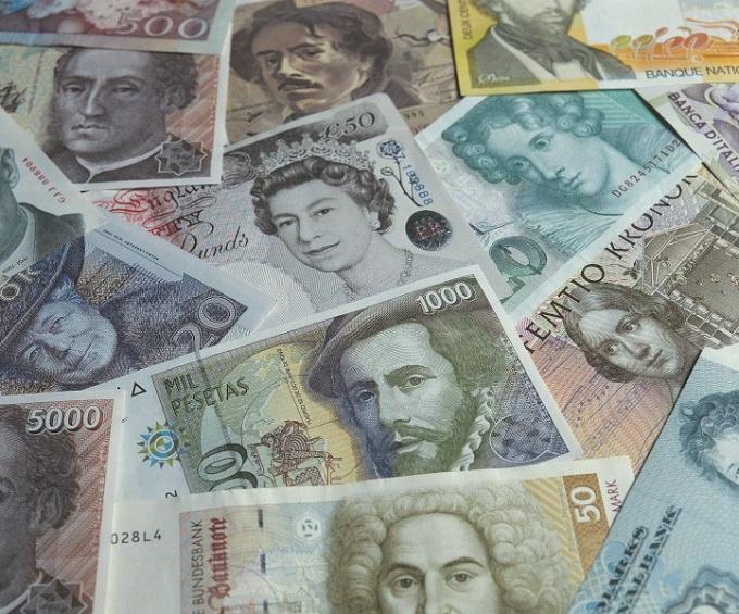 Как дешевле перевести деньги за границу