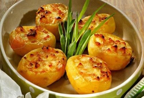 Как аппетитно запечь картофель в духовке