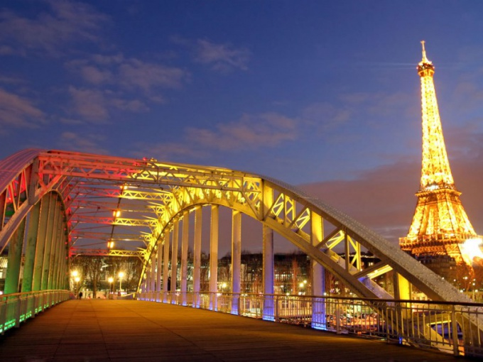 Как перевести деньги во Францию