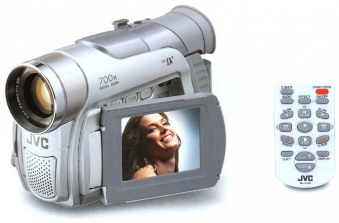 Как с камеры перекинуть видео
