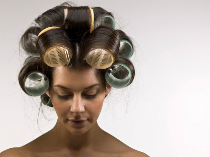 How to put on curlers