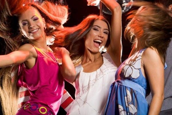 Как девушке танцевать в клубе