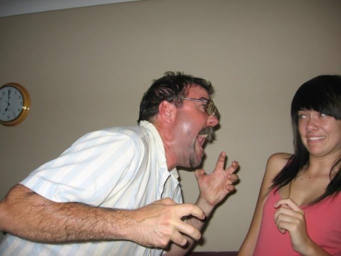 Ссоры и скандалы не помогут вам воротить <strong>жену</strong>
