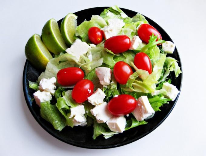 В рационе должны быть максимум фруктов и овощей