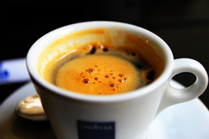 Не затягивайте с удалением пятен от кофе