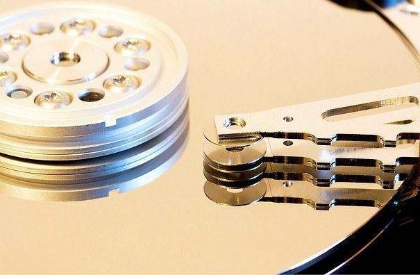 Как в BIOS разбить жесткий диск