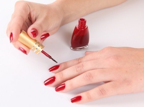 How to carefully nail your nails