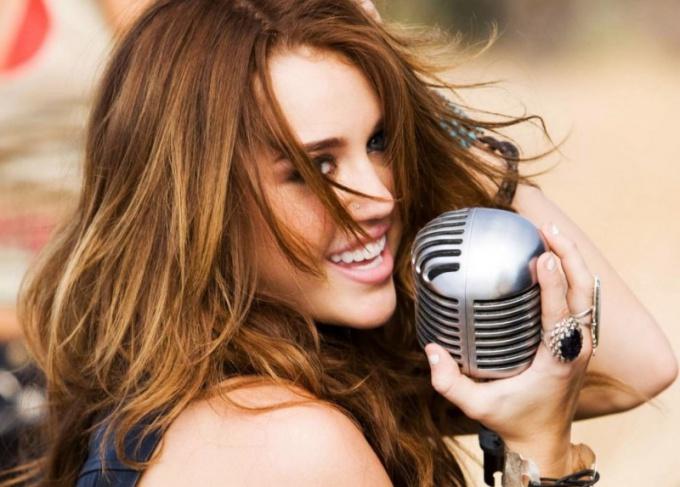 Как петь в микрофон