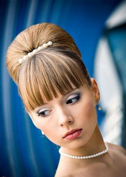 How to make a hairstyle at the prom