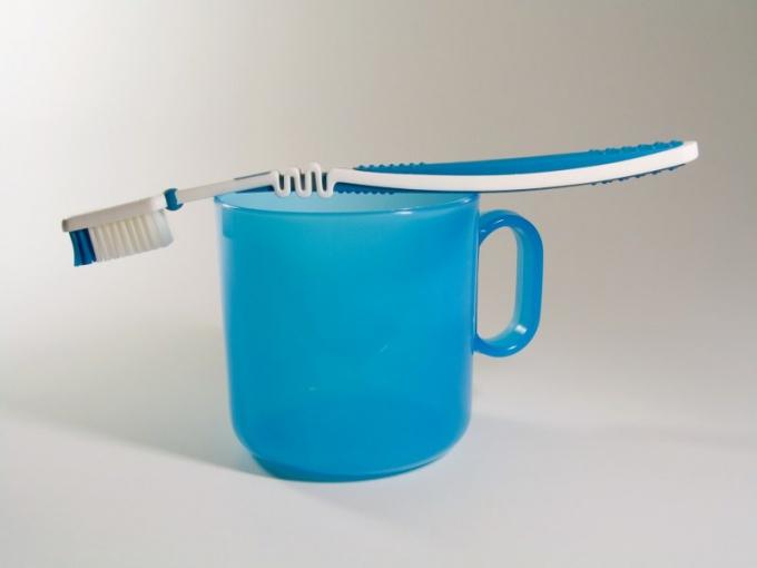 Как нужно чистить зубы детям