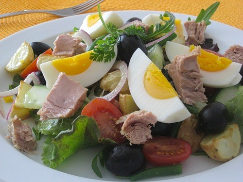 Как делать салаты из яиц