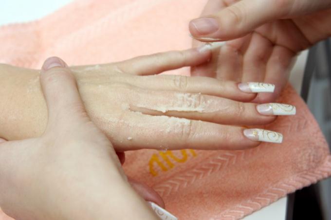 Где найти материалы для ногтей